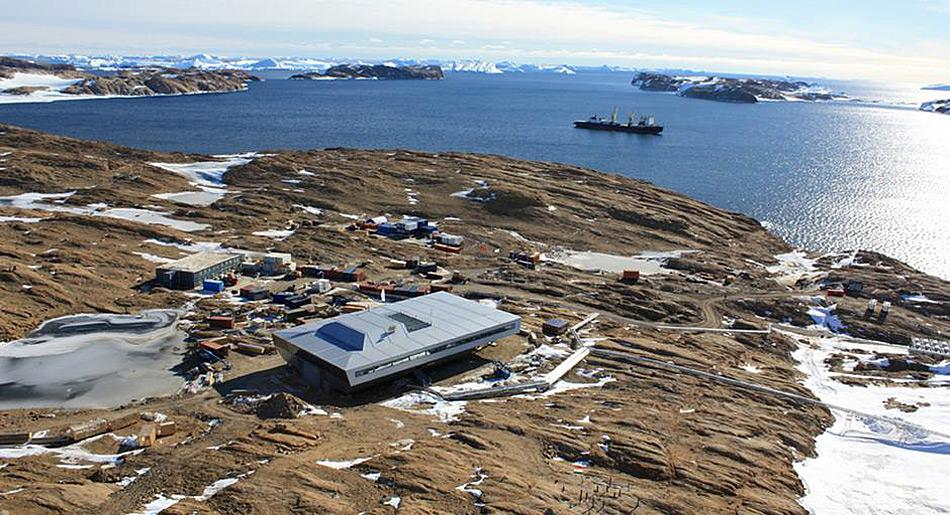 Für den Aufbau blieb nur ein dreimonatiges Zeitfenster im antarktischen Sommer.