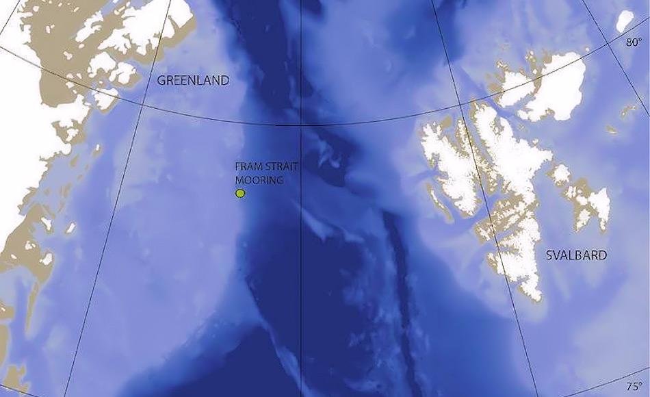 Die Karte der Framstrasse zeigt den Standort des Hydrophons zwischen 2010 – 2014. Das Hydrophon wurde in rund 80 Meter Tiefe gesetzt und verankert. Dort ist das Meer mehr als 1'000 Meter tief. Karte: Kate Stafford, Universität Washington
