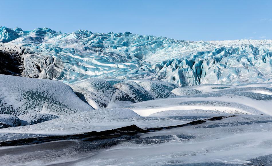 Die Zahl der Touristen nach Island steigt stetig an. Unberührte Gebiete wie die Gletscherwelt locken Naturfreunde, Fotografen und andere Touristen nach Island. Das führt neben wirtschaftlichem Aufschwung auch zu Problemen. Bild: Annina Egli