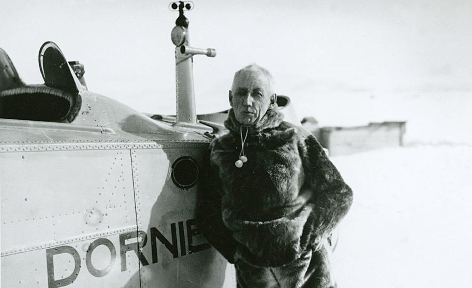 Die Dornier Wal J gehörte zu den erfolgreichsten von Dornier gebauten Flugzeugen. Die Flugzeuge für Amundsen waren nach dessen Vorgaben speziell gefertigt worden und besassen je 2 360 PS starke Motoren. Original waren sie als Militärflugzeuge entwickelt worden.