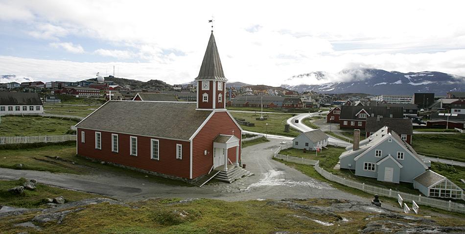 Die Erlöserkirche ist das bekannteste Kirchengebäude der grönländischen Hauptstadt Nuuk. Das Gebäude stellt eine Landmarke dar und steht im Kolonialhafen, dem ältesten Teil Nuuks. Sie wurde ab 1848 errichtet und am 6. April 1849 geweiht.