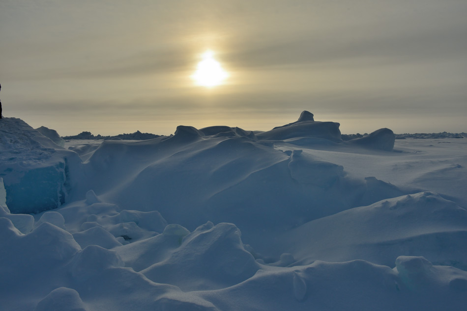 Der Nordpol steht bei vielen Leuten auf der Wunschliste. Ob sie in Zukunft über Russland oder doch über Svalbard hinfliegen werden, wird sich noch zeigen. Bild: Michael Wenger